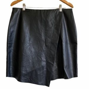 Temperance Fax Leather Skirt - Large